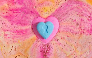 love_locket_amazeball_bath_bomb_hero_image_2020-3